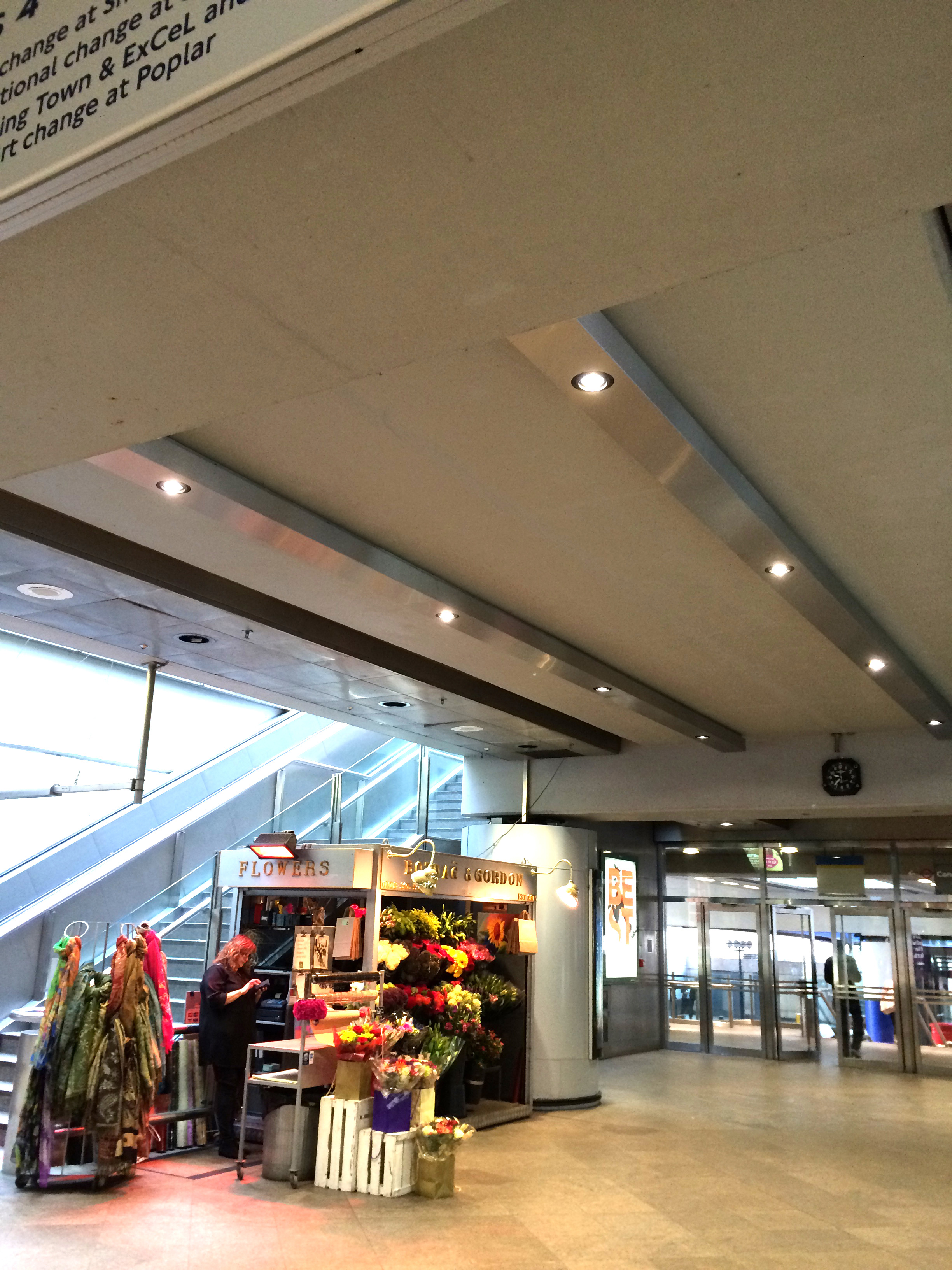 Canary Wharf Station interior,  BORDO 150 with gimbal downlighters